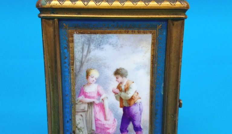 Antique Gold Clock Photo Frame for Sale in Newcastle